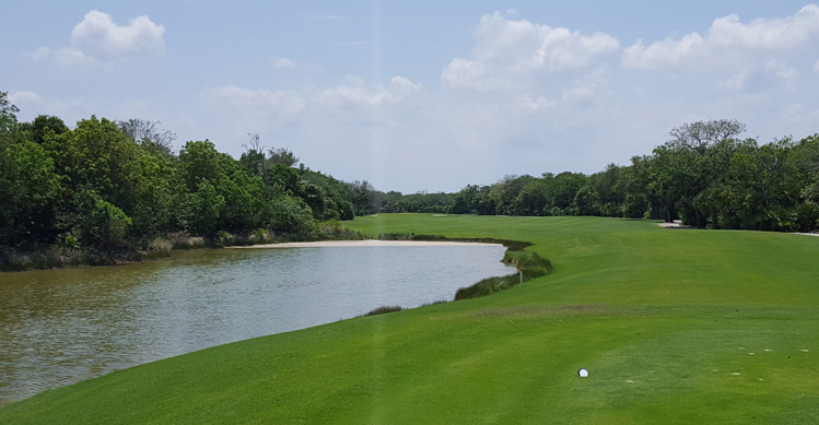 Cancun Golf Picture