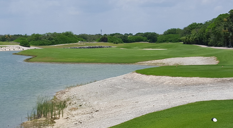 Cancun Golf Course Review Picture