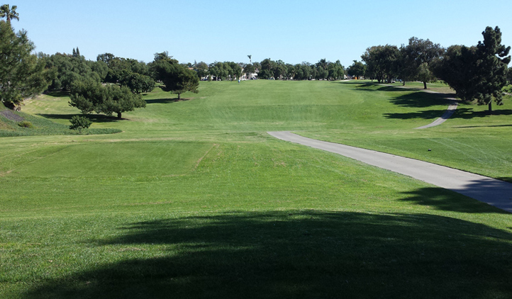 Long Beach Golf Review Photo