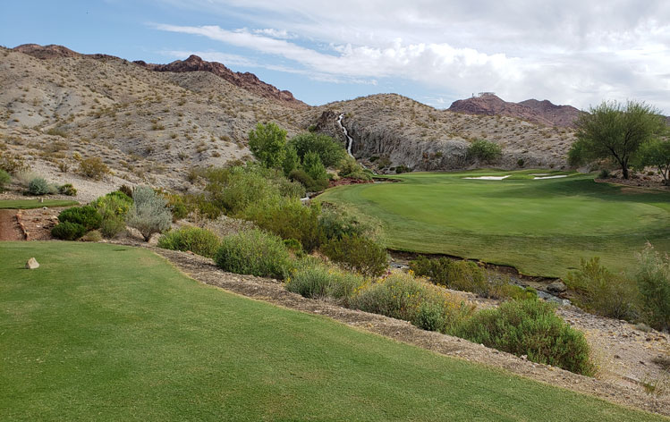 Vegas Waterfall Golf Picture