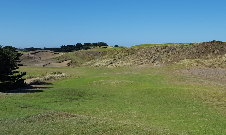 Pacific Dunes Golf Hole #9 Picture